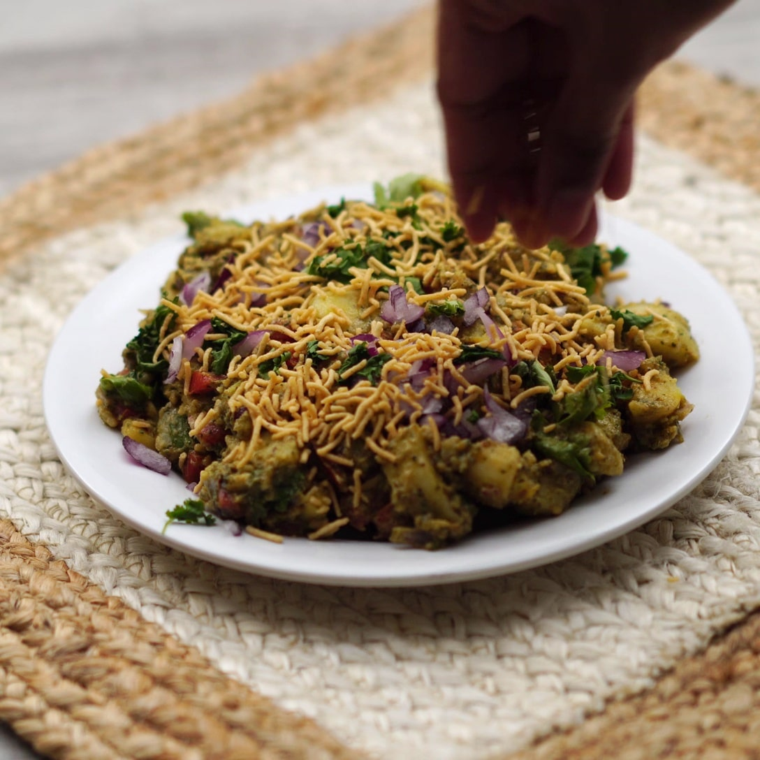 topping aloo chaat with sev