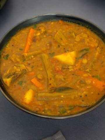 Tamilnadu style Mixed vegetable sambar