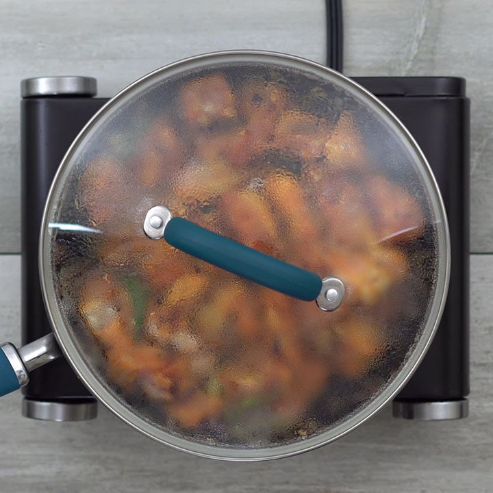 Cooking of chicken with lid closed