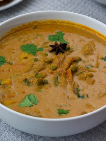 Hotel style vegetable kurma south indian style