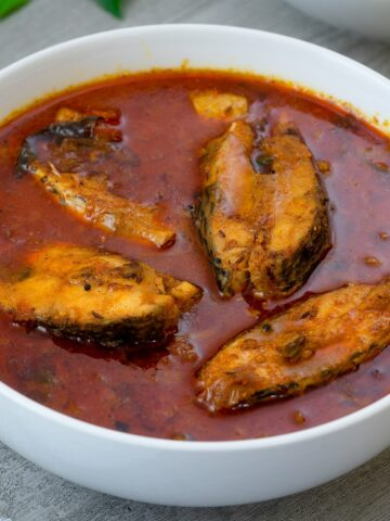 Spicy Nellore Andhra Style Chepala Pulusu / Fish Curry