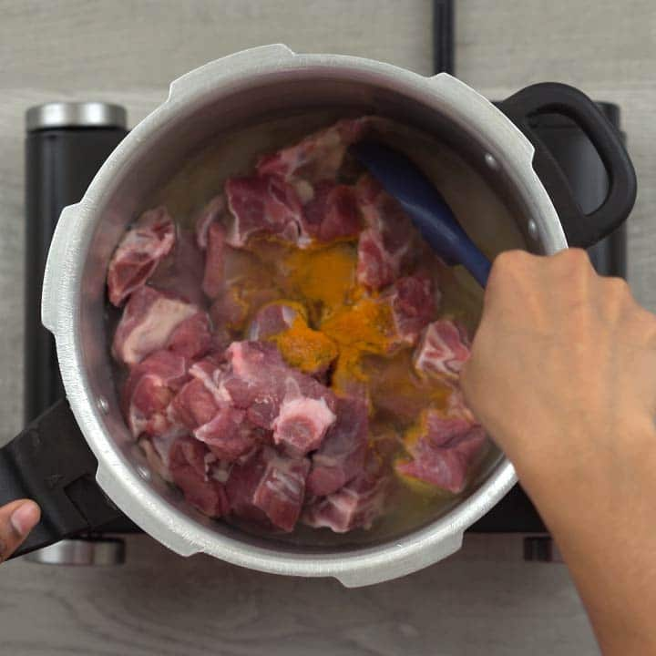 cooking mutton in pressure cooker
