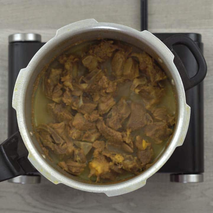 Cooked mutton in cooker