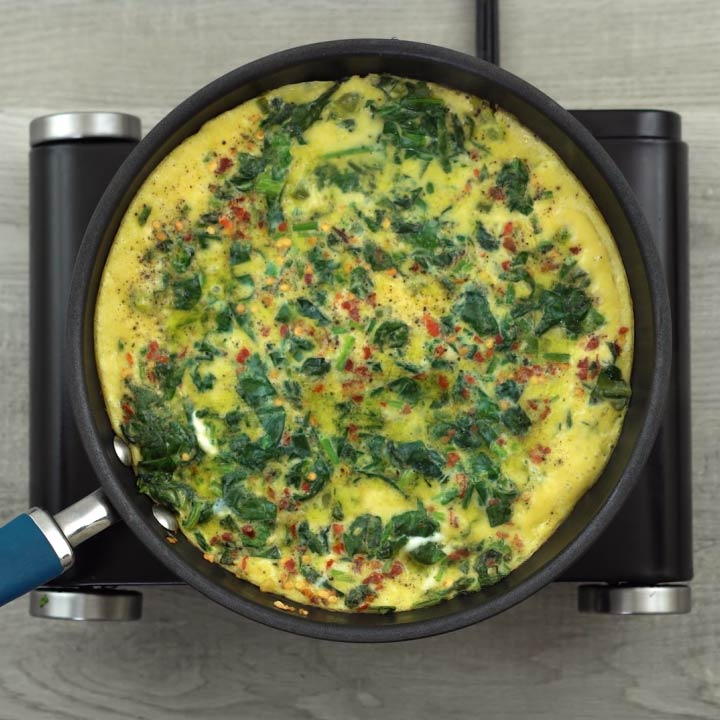 Soft, fluffy and spongy Spinach omelet