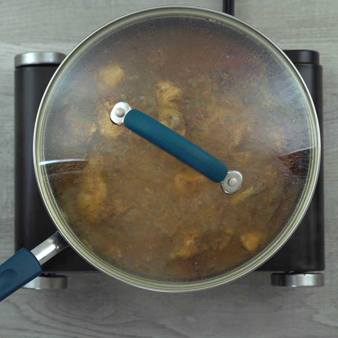 chicken cooking with lid closed again